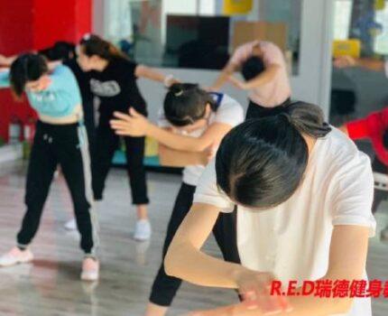 女生可以学健身,当健身教练吗?
