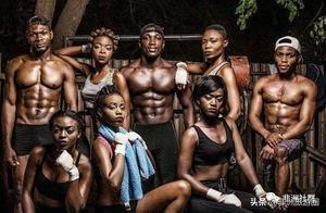 非洲村子打造露天健身房,肌肉型男层出不穷